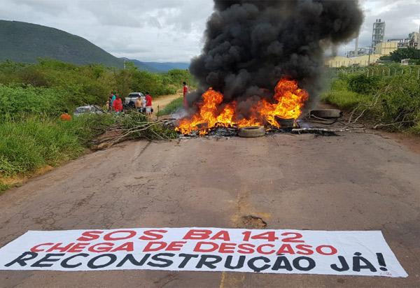 Governo do Estado divulga nota após manifestação na BA-142