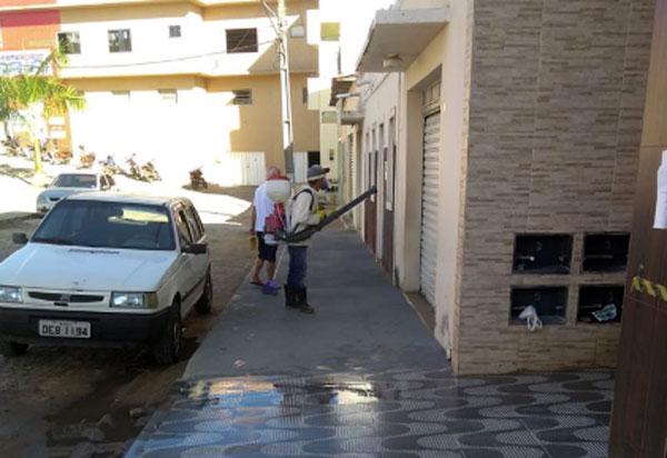 Aracatu: prefeitura inicia serviço de desinfecção das ruas da cidade em combate a Covid-19