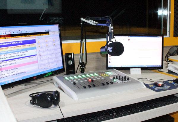 Pré-candidatos estão proibidos de apresentar programa de rádio ou TV a partir de sábado (30/6)
