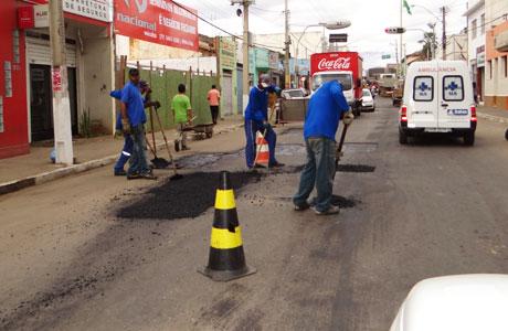 Brumado: Ruas do centro da cidade estão sendo recapeadas