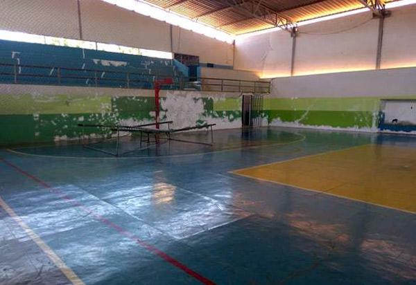 Prefeitura de Aracatu inicia reforma do Ginásio Poliesportivo