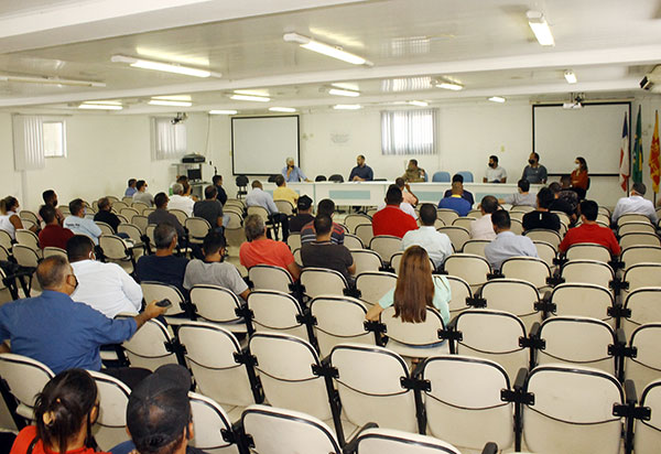 Brumado: Reunião define que comércios se manterão abertos