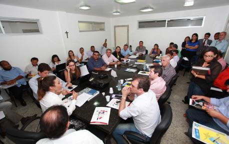 Prefeitos baianos decidem que fecharão prefeituras em abril