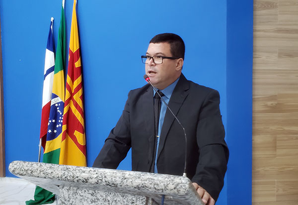Brumado: Vereador Rey de Domingão comenta não aprovação de 'projetos polêmicos' do executivo