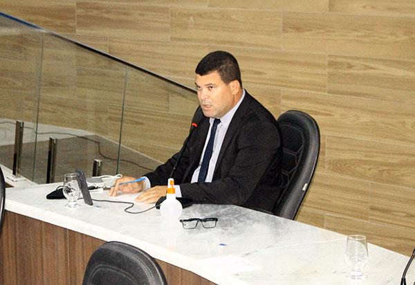 Vereador Rey de Domingão faz novas denúncias contra a Prefeitura de Brumado