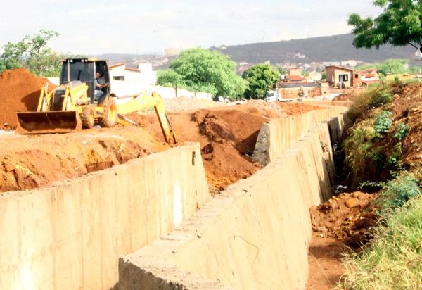 Brumado: MP instaura Inquérito Civil para apurar qualidade de material usado em obras e suposto prejuízo ao erário do município após queda de canais durante as chuvas