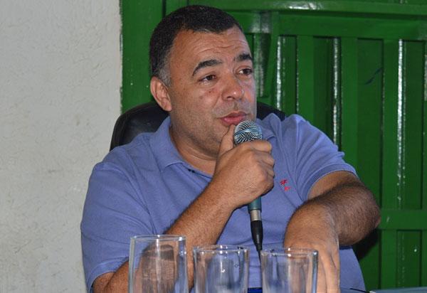 Ricardinho é reeleito prefeito de Livramento de Nossa Senhora