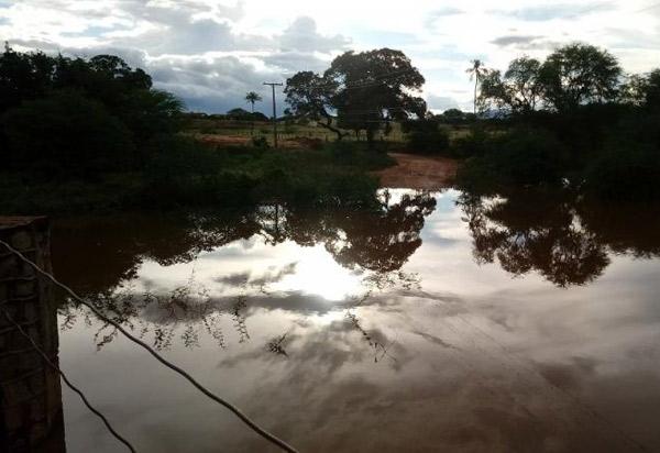 Dom Basílio: Rio Brumado está com grande volume de água após as chuvas