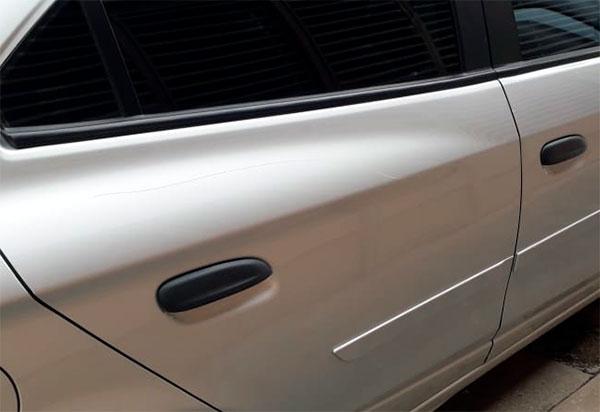 Brumado: Câmeras de videomonitoramento flagram carro sendo vandalizado na Rua Amâncio leite