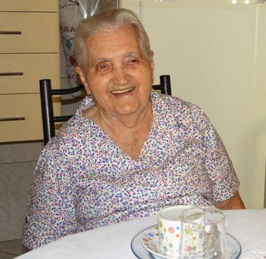 Familiares parabenizam Rita Alves Ataíde pelo seu aniversário