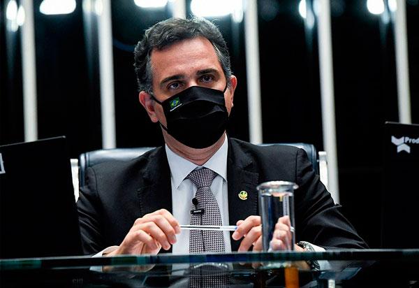 Pacheco devolve MP que dificultava retirada de conteúdo da internet   Fonte: Agência Senado