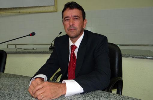 Brumado: Vereador Romar recebe multas de trânsito e suspeita que a placa da moto tenha sido clonada
