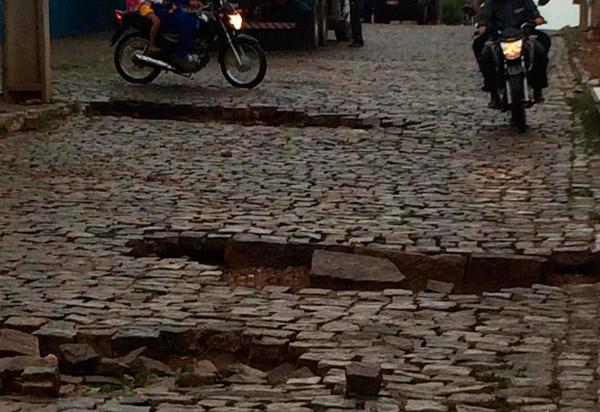 Brumado: Chuva forte causou estragos em ruas