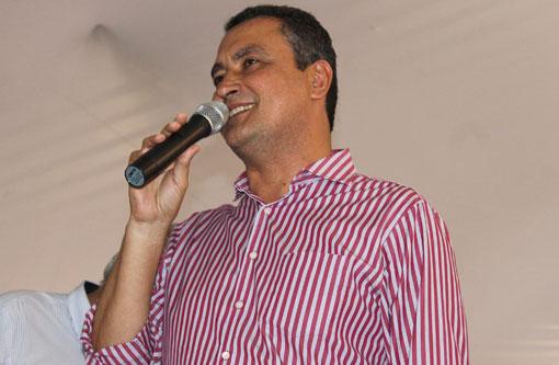 Rui Costa afirma que investimento em abastecimento de água é uma realidade na Bahia
