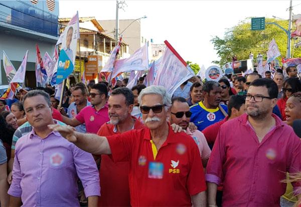 Eleições 2018: Rui Costa realizou caminhada de campanha em Brumado na sexta (14)