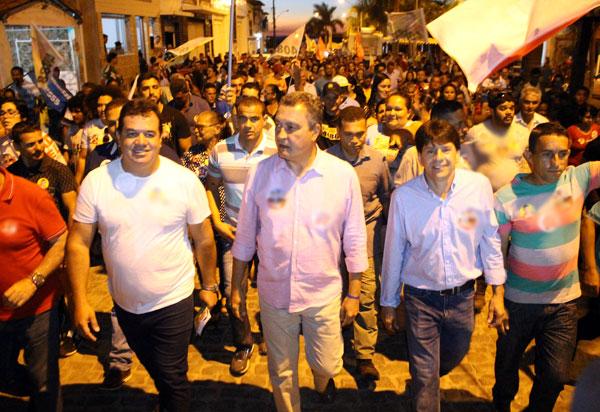 Rui Costa (PT) visita Aracatu acompanhado de comitiva