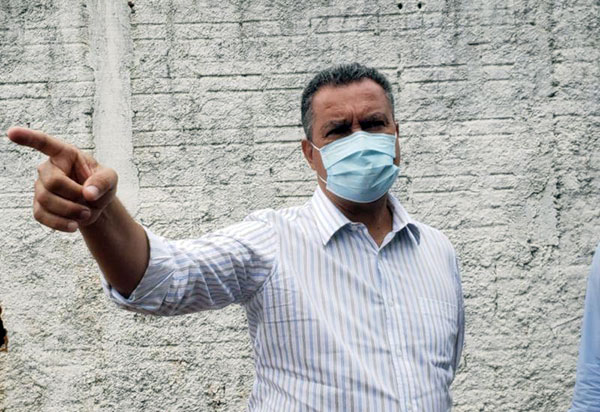 Rui Costa critica postura de Bolsonaro contra uso de máscaras