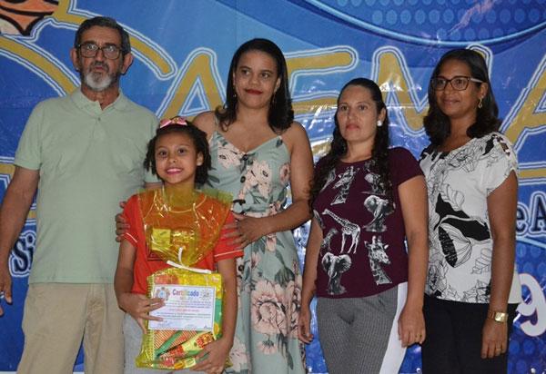 Aracatu: Secretaria Municipal de Educacão homenageia os primeiros colocados da SAEMA 2019