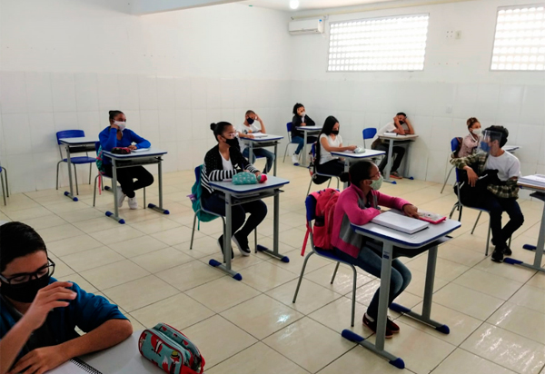 Brumado inicia retorno presencial as aulas