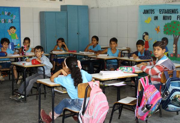'Crianças têm pouca chance de transmitir Covid a adultos', revela pesquisa  para traçar estratégias de reabertura de escolas