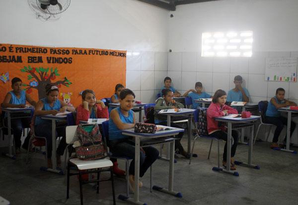 Semec estabelece as diretrizes pedagógicas para o retorno das aulas presenciais a partir de 21 de setembro em Brumado