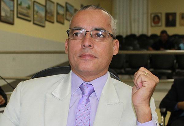 Santinho assumirá vaga do vereador Zé Carlos de Jonas na Câmara de Brumado