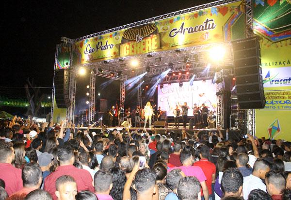 Confira as fotos da primeira noite do São Pedro de Aracatu