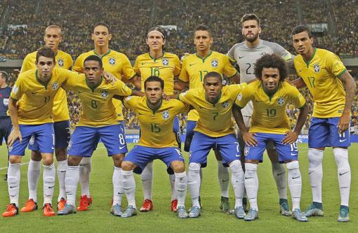 Brasil joga bem, com apoio da torcida, e vence