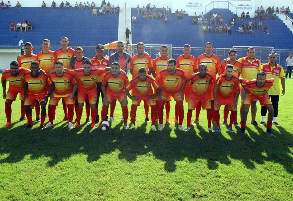 Brumado fará um jogo treino com a seleção de Paramirim no estádio Gilberto Cardoso