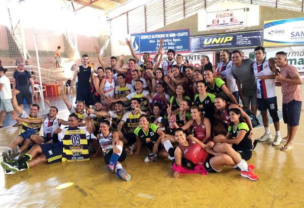 Seleções brumadense feminina e masculina de Vôlei vencem 1ª  Copa do Corrente de Voleibol 2018