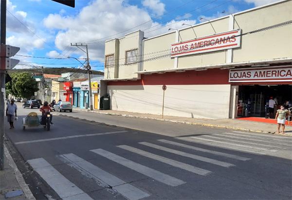 Brumado: População cobra que semáforo para pedestres no centro da cidade seja consertado