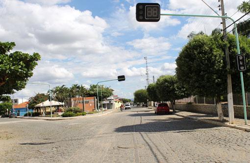 Livramento: População cobra funcionamento de semáforos