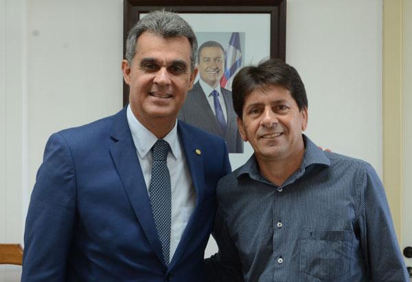 Aracatu: prefeito Sérgio Maia melhora a vida de moradores com pavimentação de bairros