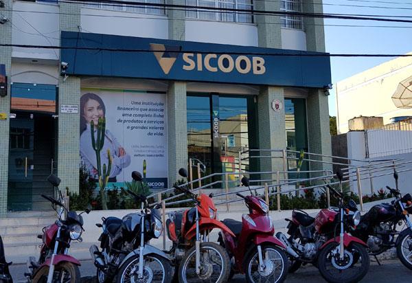 Brumado: criminosos invadem e arrombam cofre na agência Sicoob