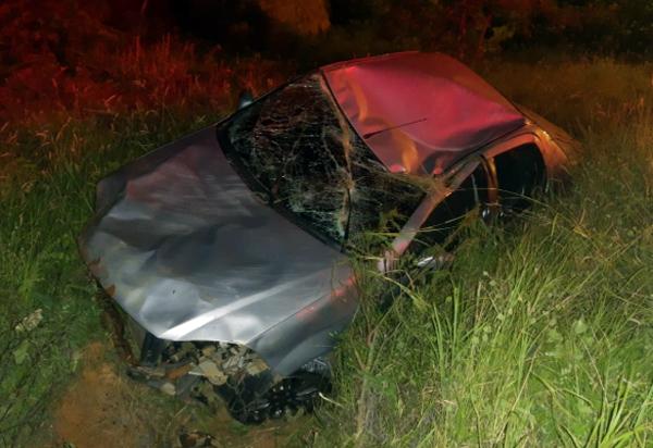Brumado: motorista perde controle da direção e capota carro na Avenida Lindolfo Azevedo Brito
