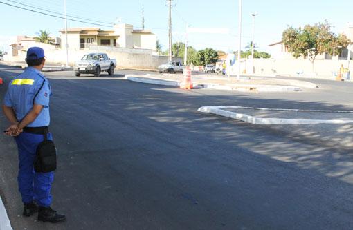 Brumado: SMTT realiza ação educativa para instruir condutores no uso de rotatória