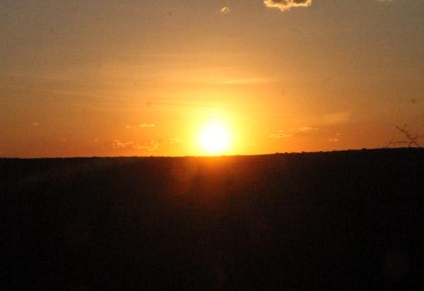 Horário de verão começa à meia-noite deste sábado; a Bahia está de fora