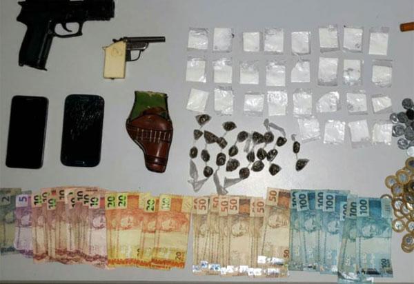 Homem é preso acusado de tráfico de drogas e porte ilegal de arma em Piripá