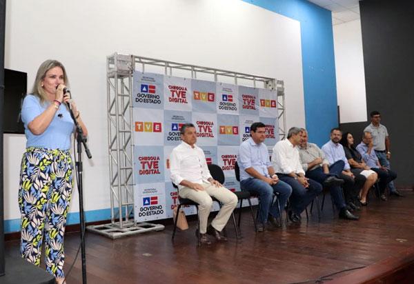 Ivana Bastos participa do lançamento do sinal da TVE Digital, em Guanambi