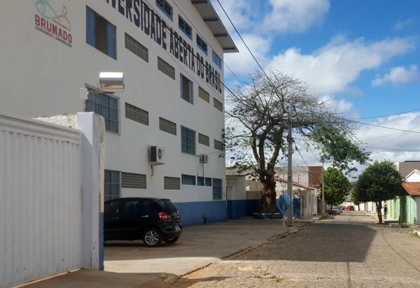 UFBA/UAB abre curso de bacharelado em Biblioteconomia em Brumado