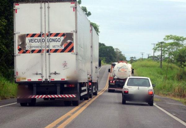PRF realiza fiscalização de ultrapassagem nas rodovias federais da Bahia