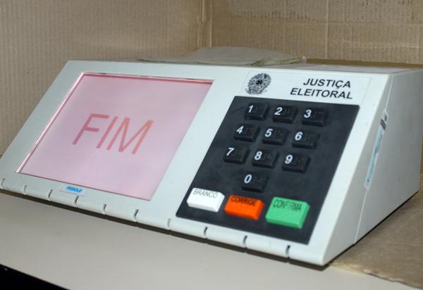 Câmara dos Deputados vota hoje PEC que adia eleições para novembro
