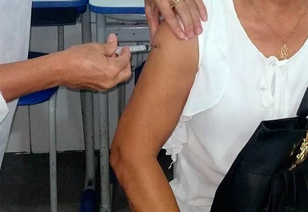 OMS pede que 3ª dose de vacina seja aplicada só em grupos de risco