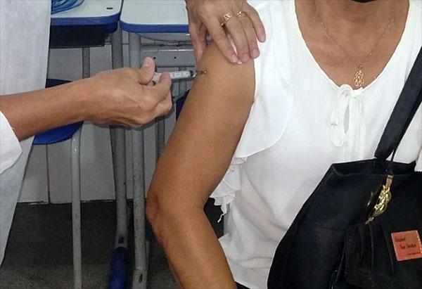 Covid-19: Brumado vacina idosos a partir de 65 anos nesta segunda (05)