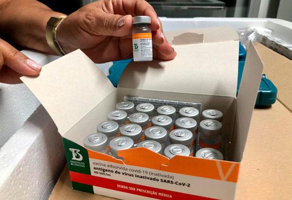 Secretário de Saúde da Bahia propõe mudança no critério de distribuição da vacina contra a Covid-19 para os municípios