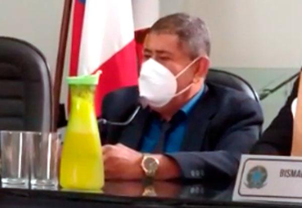 Aracatu: Vereador denuncia que máquina perfuratriz do município estava em Barra do Choça