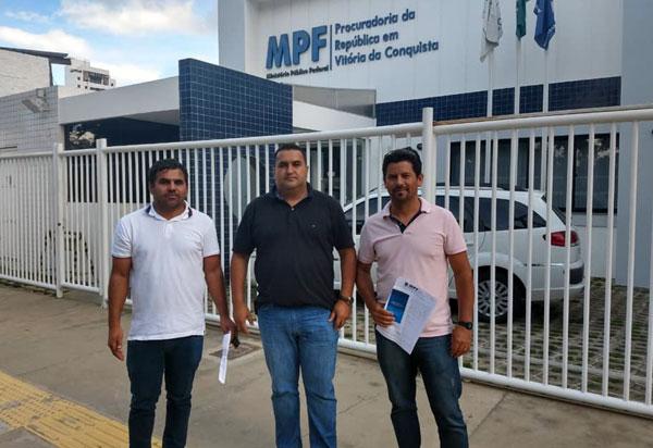 Barra da Estiva: vereadores Alessandro Bico, Fabrício Viana e Zito de Noé protocolaram no MPF representação por ato de improbidade administrativa contra o prefeito João de Didi
