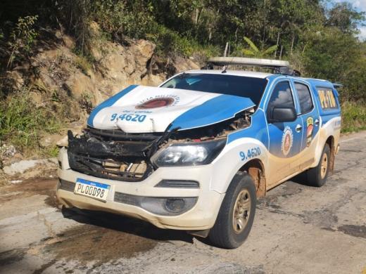 BA-148: Viatura da PM se envolve em acidente entre Livramento e Rio de Contas