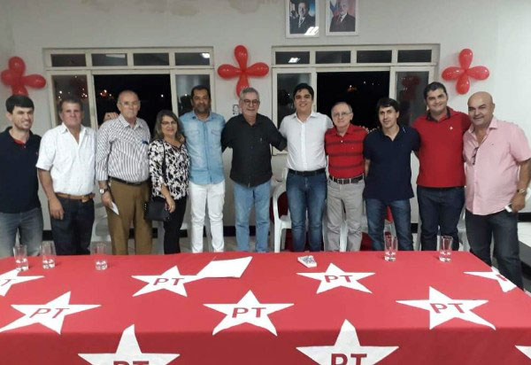 Em nota, PT brumadense explica o porquê de apoiar a dobradinha Waldenor Pereira e Vitor Bonfim