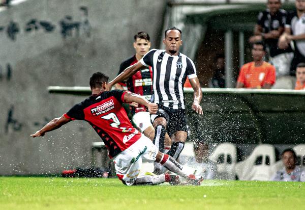 Vitória perde para o Ceará no jogo de ida da Copa do Brasil